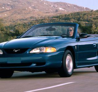 Ford Mustang Convertible V6 2000